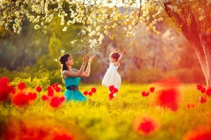 mutlu-anne-kiz